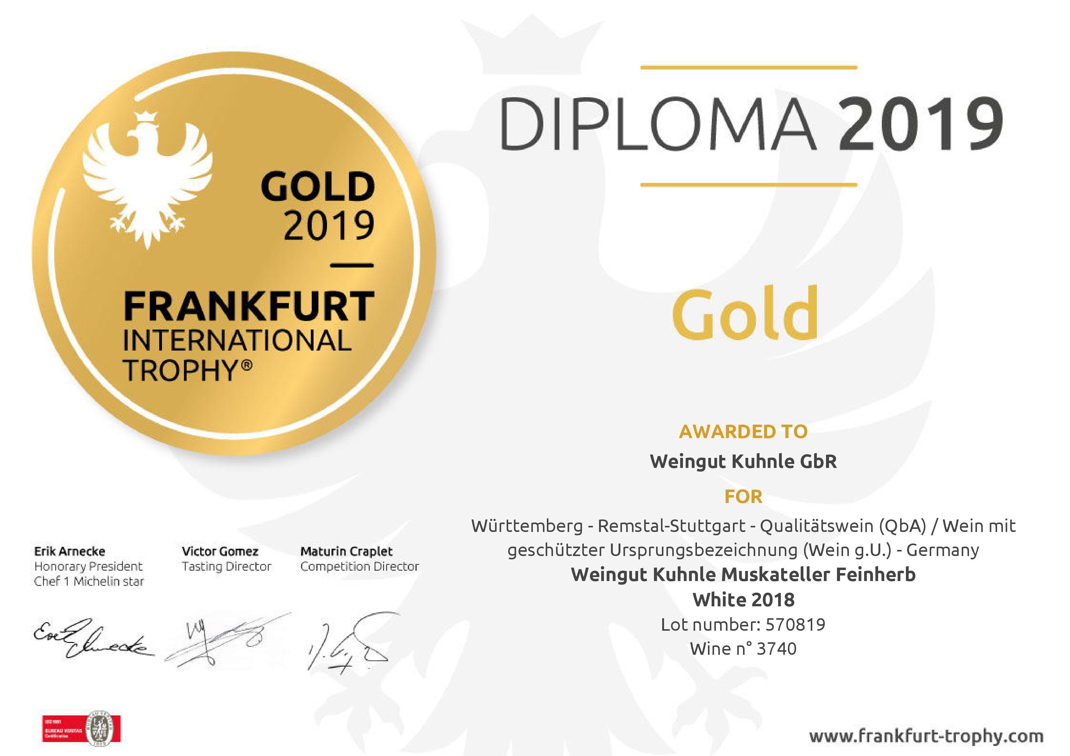 "<?=Goldmedaille bei ""Frankfurt International Trohpy""?>"